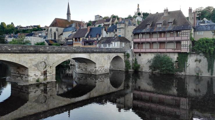 Le pont de la rivière Creuse