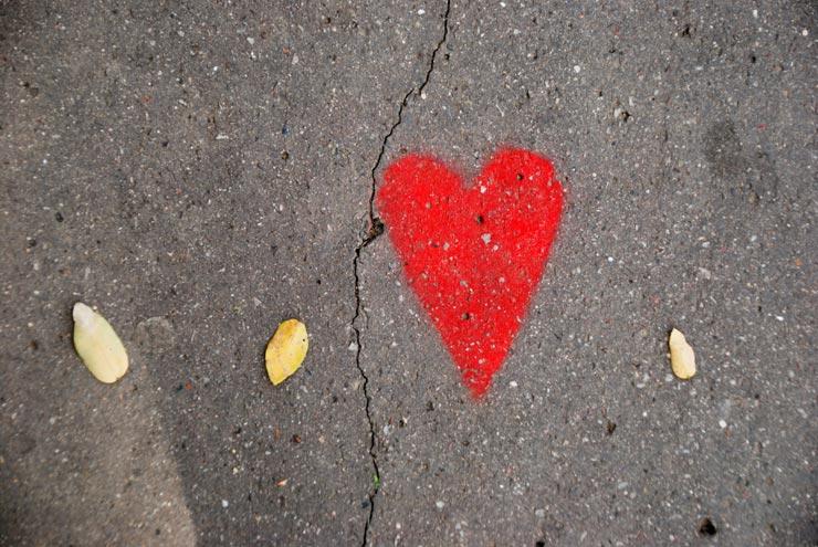 Cœur sur le bitume